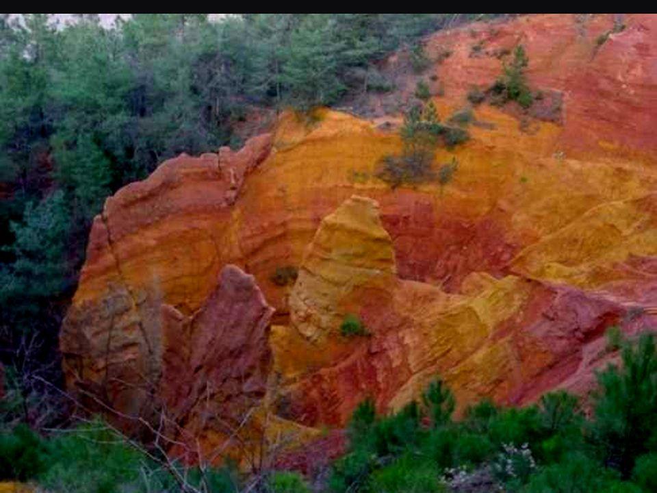 Les falaises d'ocre de Roussillon