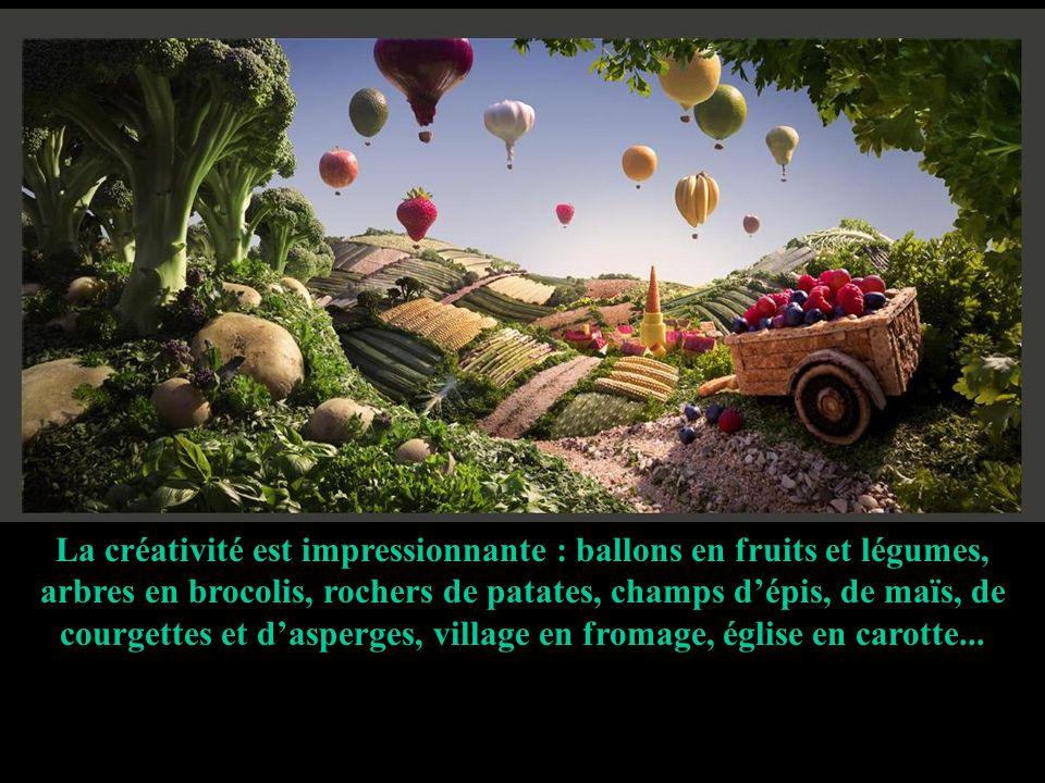 La créativité est impressionnante : ballons en fruits et légumes, arbres en brocolis, rochers de patates, champs d'épis, de maïs, de courgettes et d'asperges, village en fromage, église en carotte...