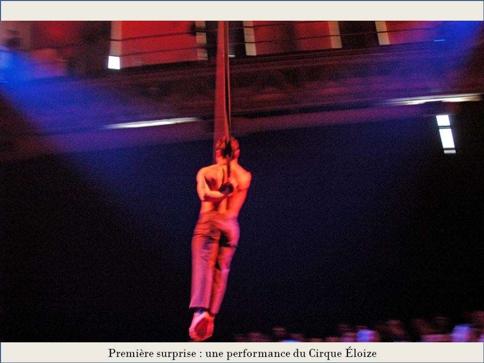 Première surprise : une performance du Cirque Éloize