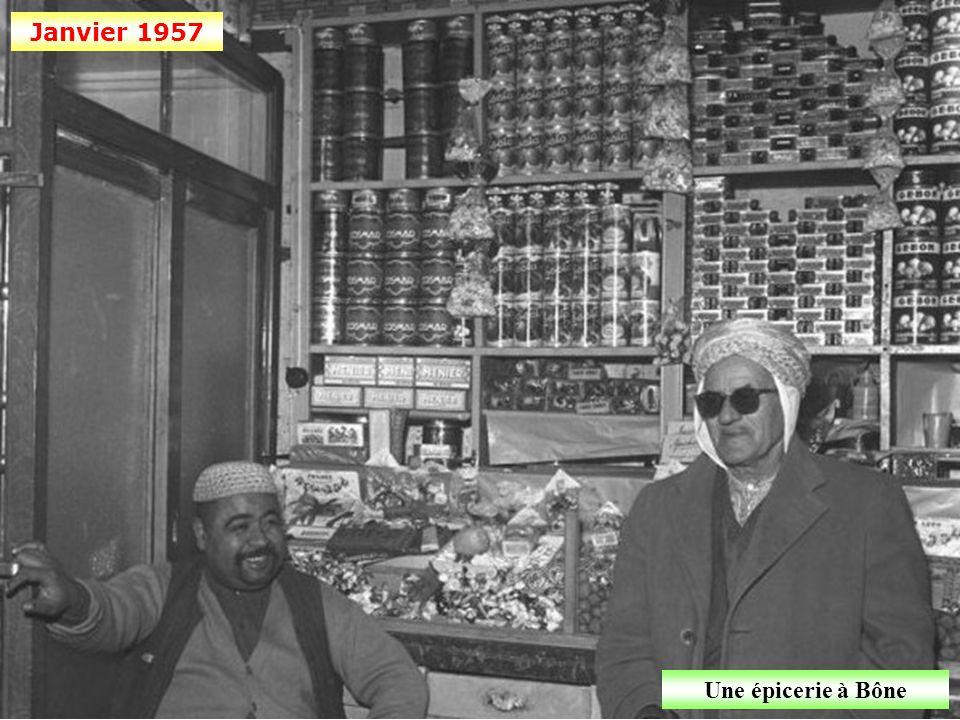 Décembre 1956 Le butin (bouteilles artisanales « Molotov »)