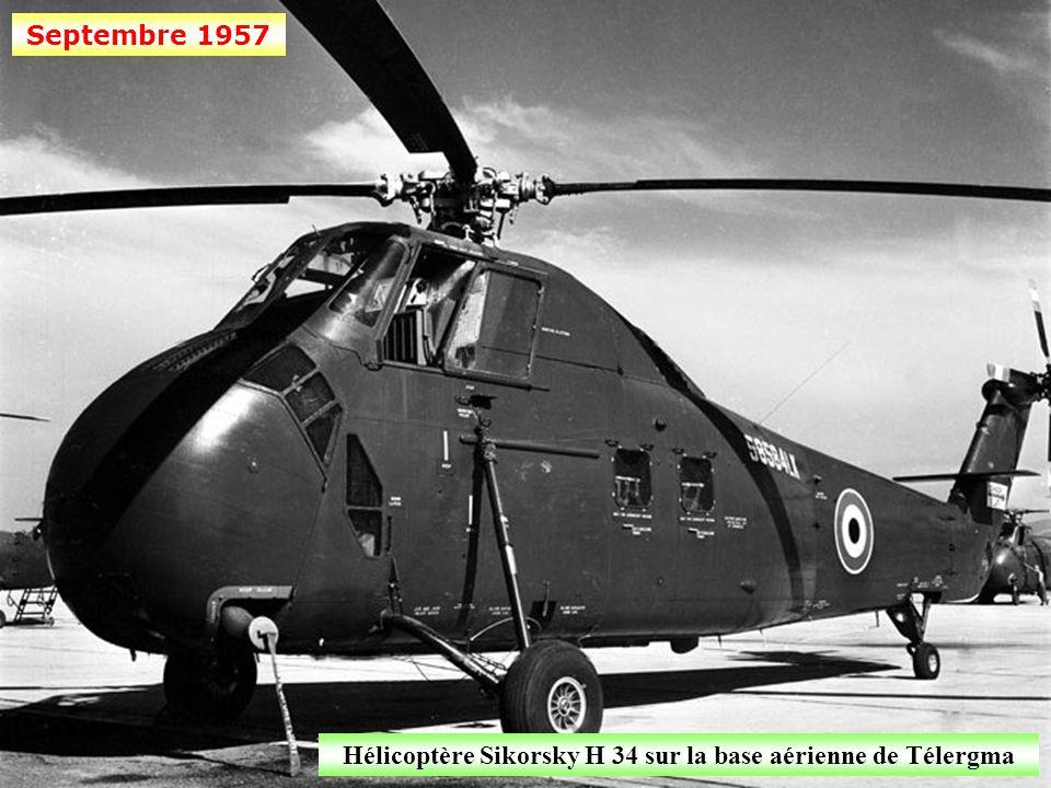 Septembre 1957 Un Noratlas type Nord 2501 au-dessus du territoire algérien