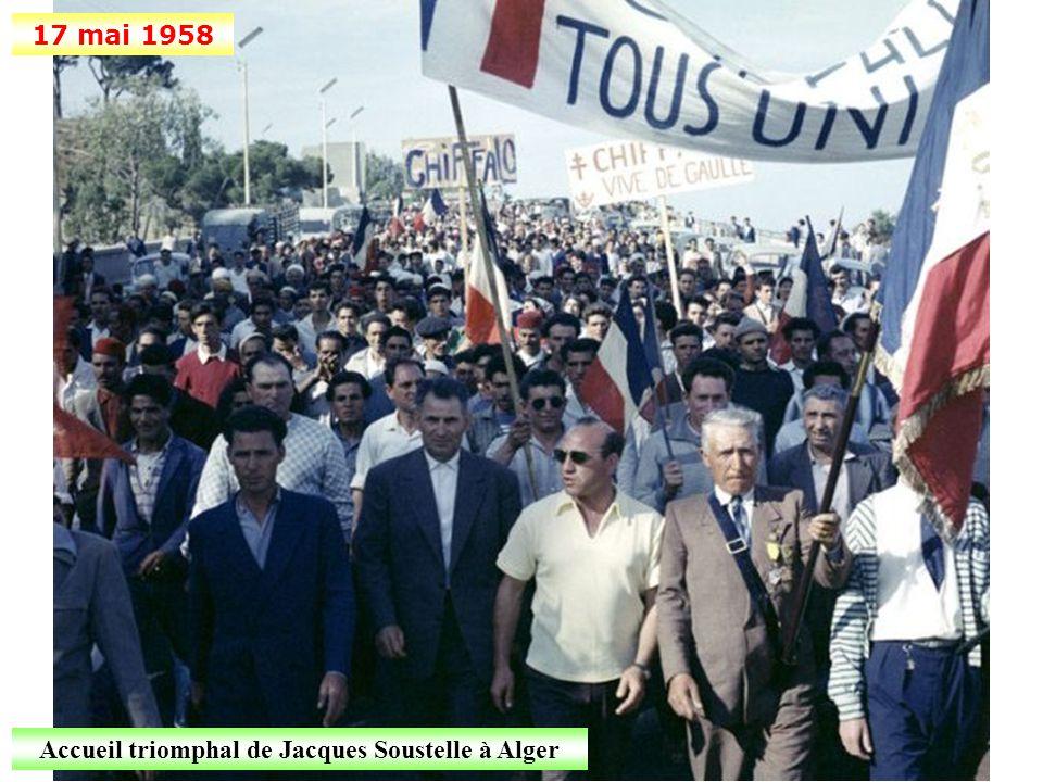 13 mai 1958 Les manifestants envahissent le palais du gouvernement d'Alger