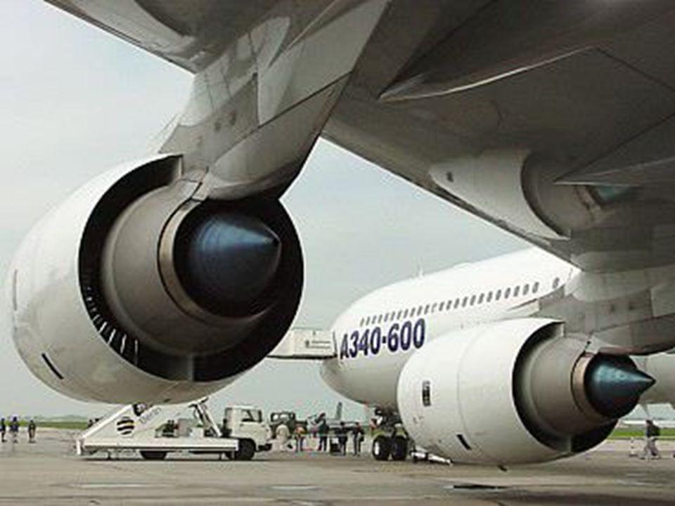 Airbus 340-600, tout neuf, sur le tarmac à Toulouse, France. L'avion n'a pas une seule heure de vol..