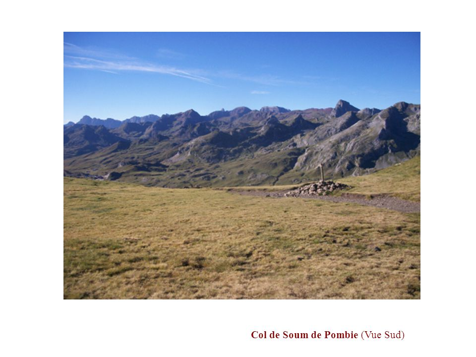 Un dernier coup d'œil côté Est sur les Lacs Supérieurs de Pombie, avant d'aborder l'ascension du Pic Peyreget.