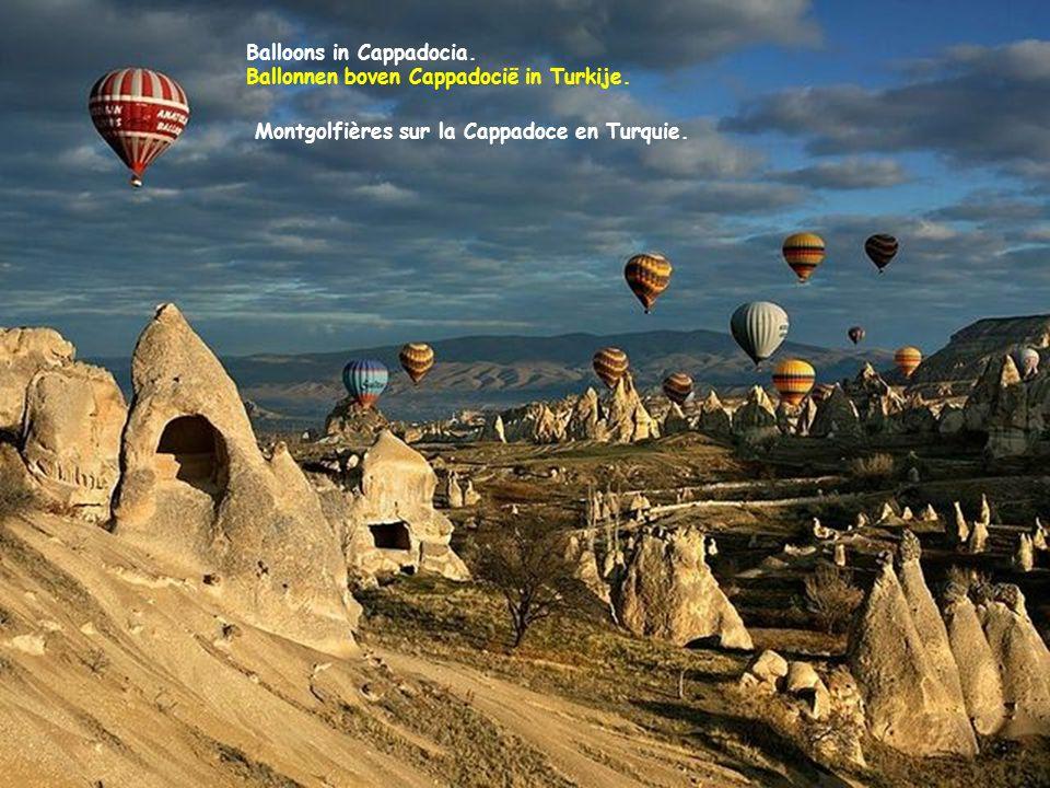 Balloons in Cappadocia.Ballonnen boven Cappadocië in Turkije.