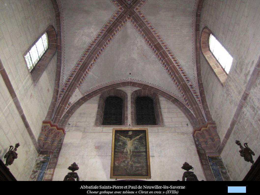 Abbatiale Saints-Pierre et Paul de Neuwiller-lès-Saverne Nef avec les orgues (XVIIIe) et la chaire à prêcher (XVIIe)