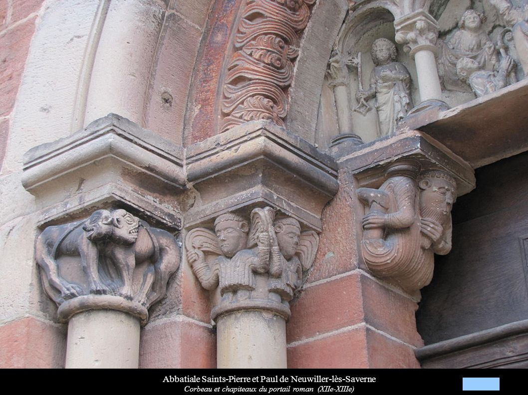 Abbatiale Saints-Pierre et Paul de Neuwiller-lès-Saverne Corbeau et chapiteaux du portail roman (XIIe-XIIIe)