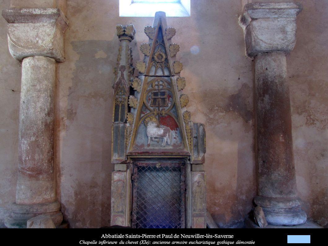 Abbatiale Saints-Pierre et Paul de Neuwiller-lès-Saverne Chapelle inférieure du chevet (XIe): ancienne armoire eucharistique gothique démontée