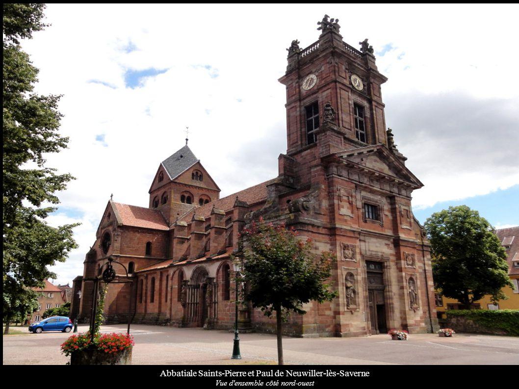 Abbatiale Saints-Pierre et Paul de Neuwiller-lès-Saverne Nef côté nord, Eglise Saint-Adelphe au fond