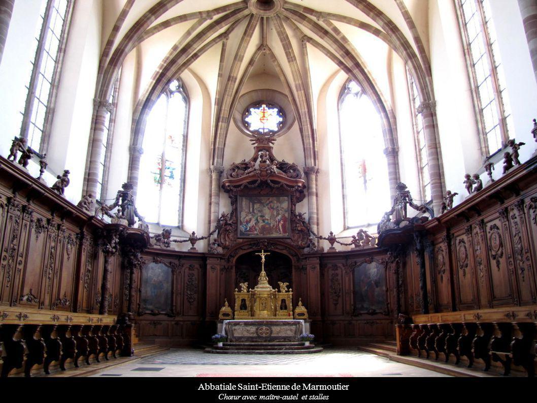 Abbatiale Saint-Etienne de Marmoutier Chœur avec maître-autel et stalles