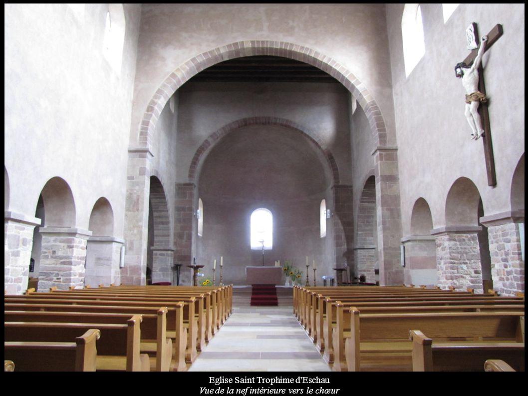 Eglise Saint Trophime d'Eschau Vue de la nef intérieure vers le chœur