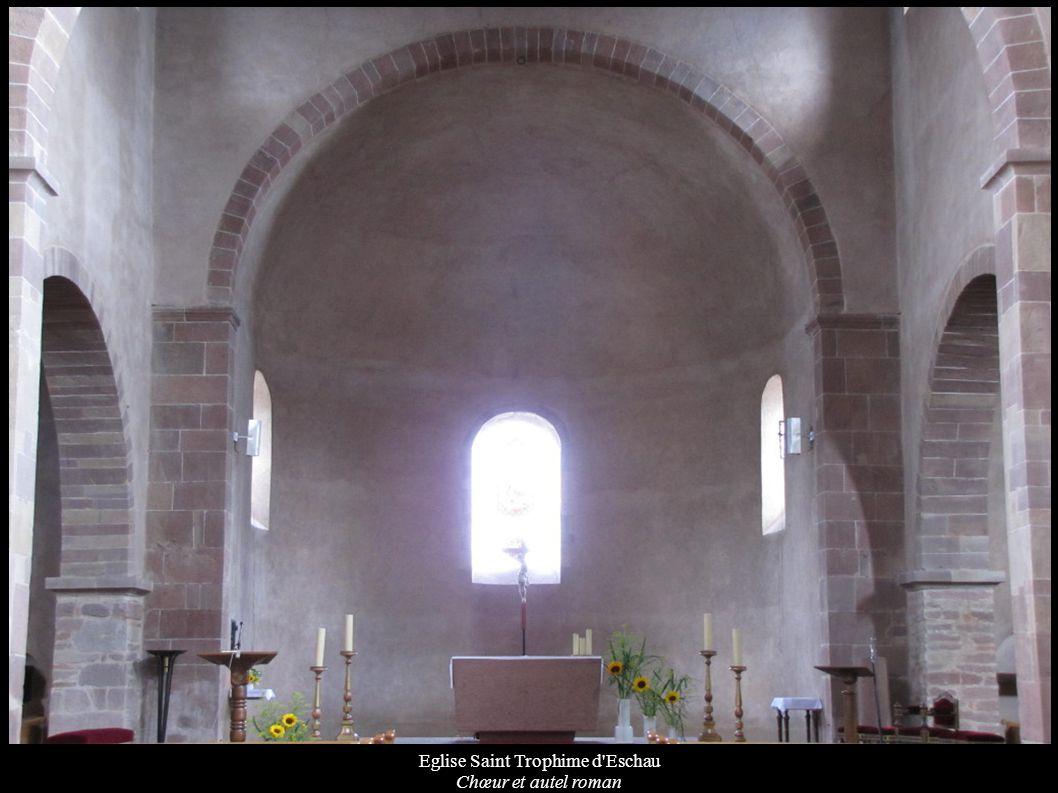 Eglise Saint Trophime d'Eschau Chœur et autel roman