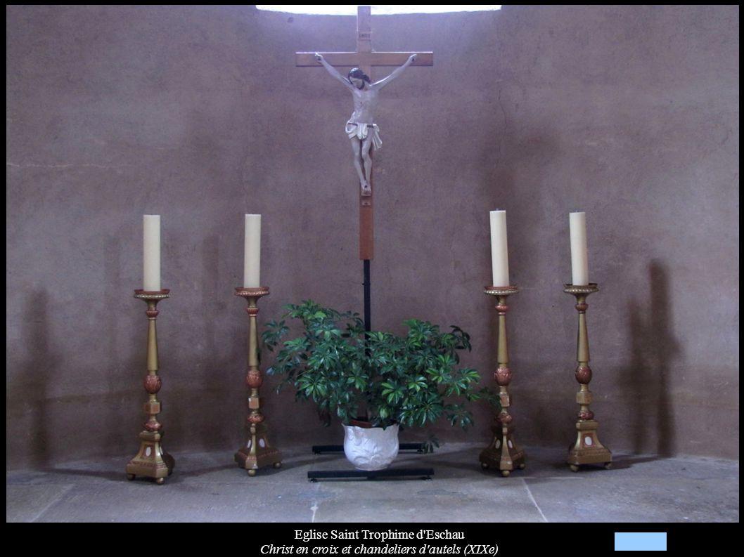 Eglise Saint Trophime d'Eschau Christ en croix et chandeliers d'autels (XIXe)