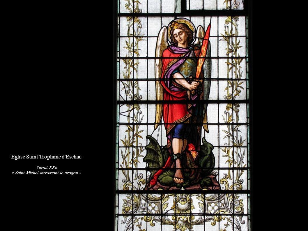 Eglise Saint Trophime d'Eschau Vitrail XXe « Saint Michel terrassant le dragon »