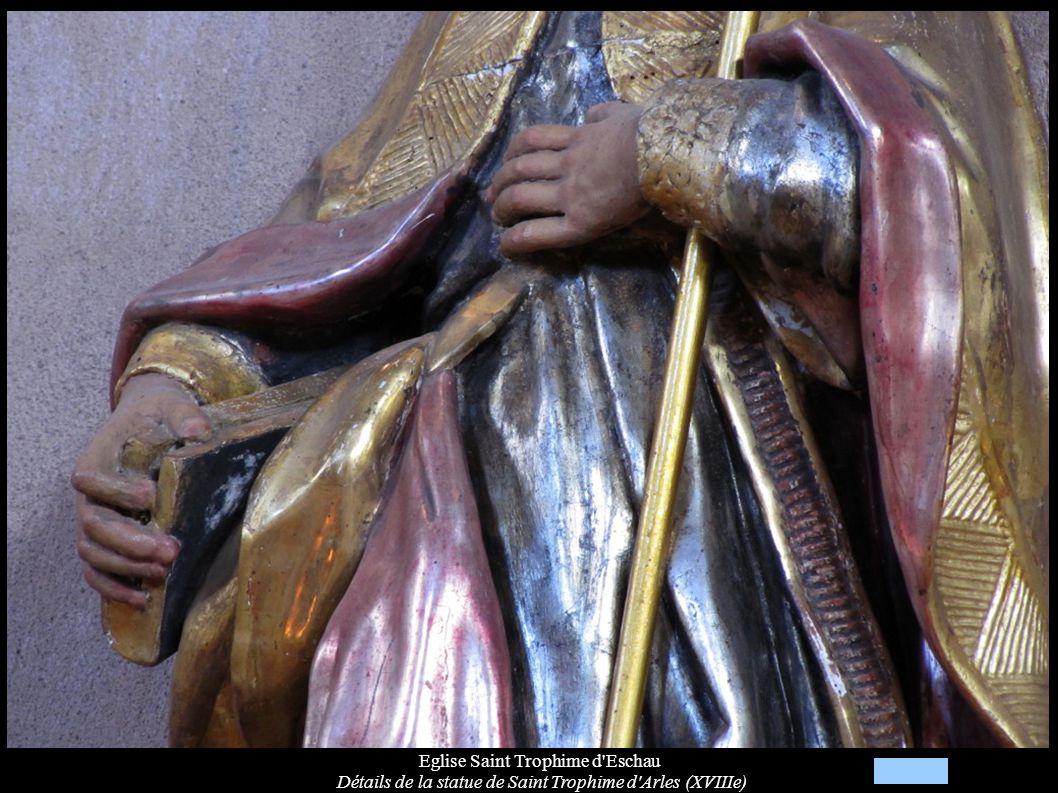 Eglise Saint Trophime d'Eschau Détails de la statue de Saint Trophime d'Arles (XVIIIe)