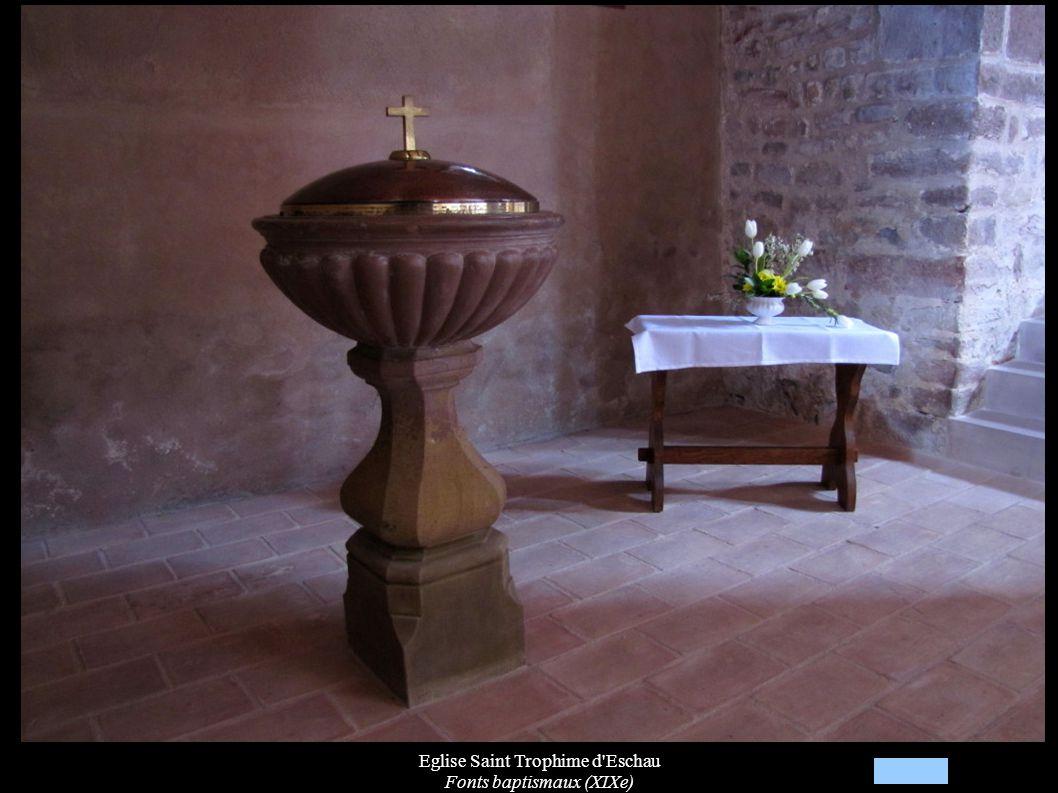 Eglise Saint Trophime d'Eschau Fonts baptismaux (XIXe)