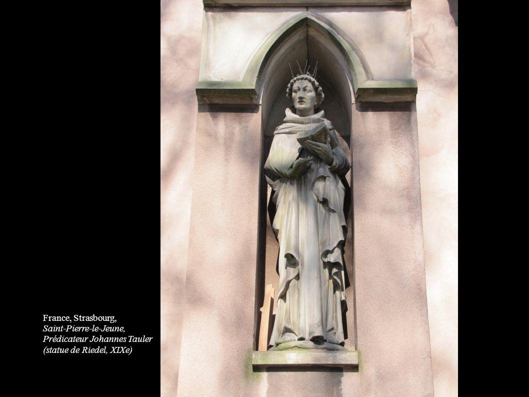France, Strasbourg, Saint-Pierre-le-Jeune, Prédicateur Johannes Tauler (statue de Riedel, XIXe)