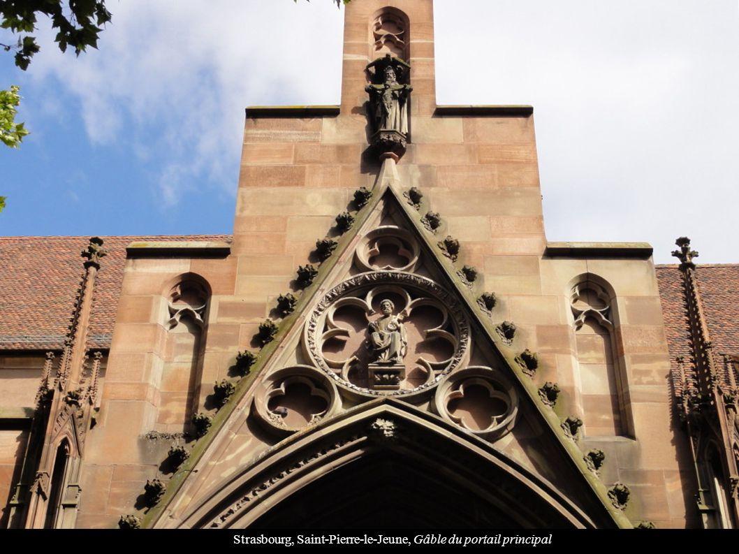 Strasbourg, Saint-Pierre-le-Jeune, Gâble du portail principal