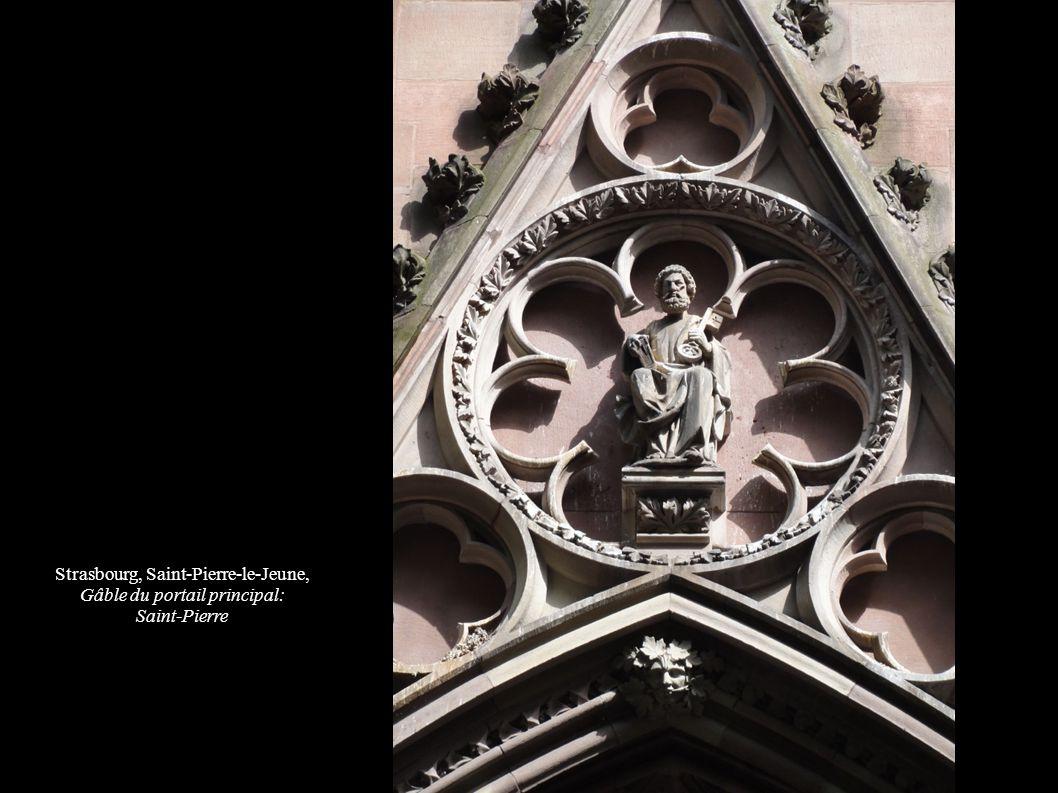 Strasbourg, Saint-Pierre-le-Jeune, Gâble du portail principal: Saint-Pierre