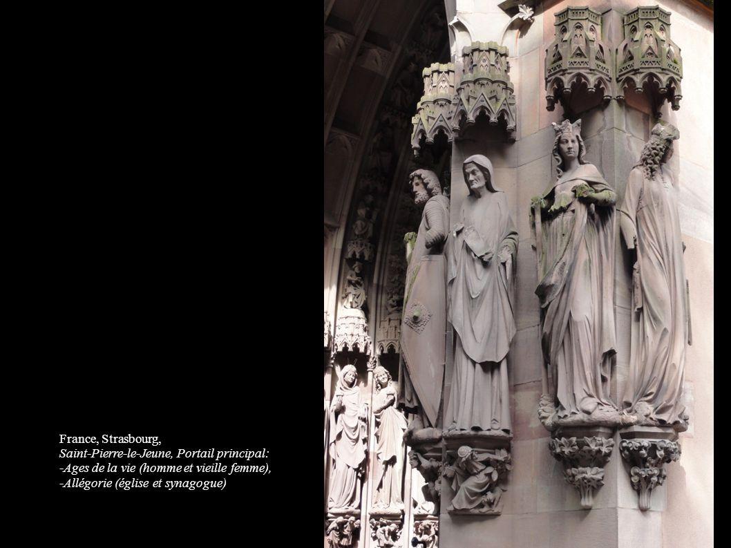 France, Strasbourg, Saint-Pierre-le-Jeune, Portail principal: -Ages de la vie (homme et vieille femme), -Allégorie (église et synagogue)