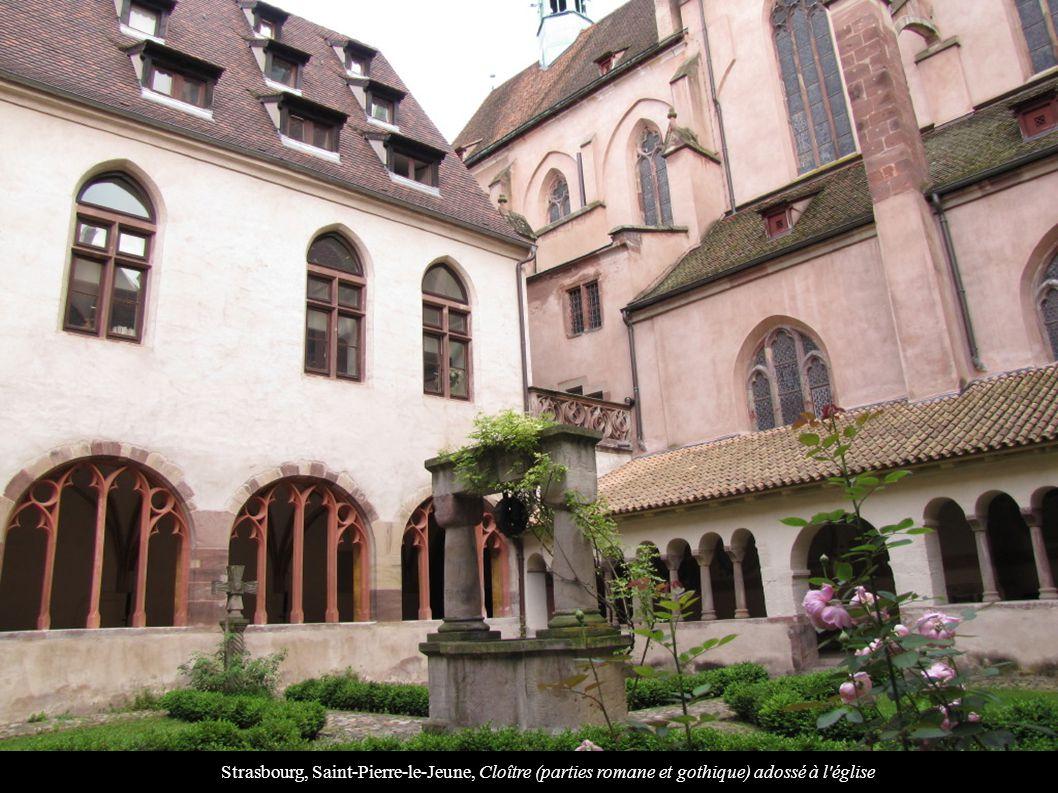 Strasbourg, Saint-Pierre-le-Jeune, Cloître (parties romane et gothique) adossé à l'église