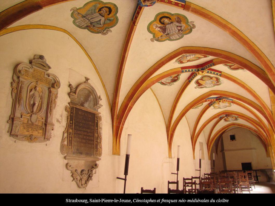 Strasbourg, Saint-Pierre-le-Jeune, Cénotaphes et fresques néo-médiévales du cloître