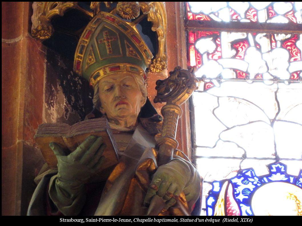 Strasbourg, Saint-Pierre-le-Jeune, Chapelle baptismale, Statue d'un évêque (Riedel, XIXe)