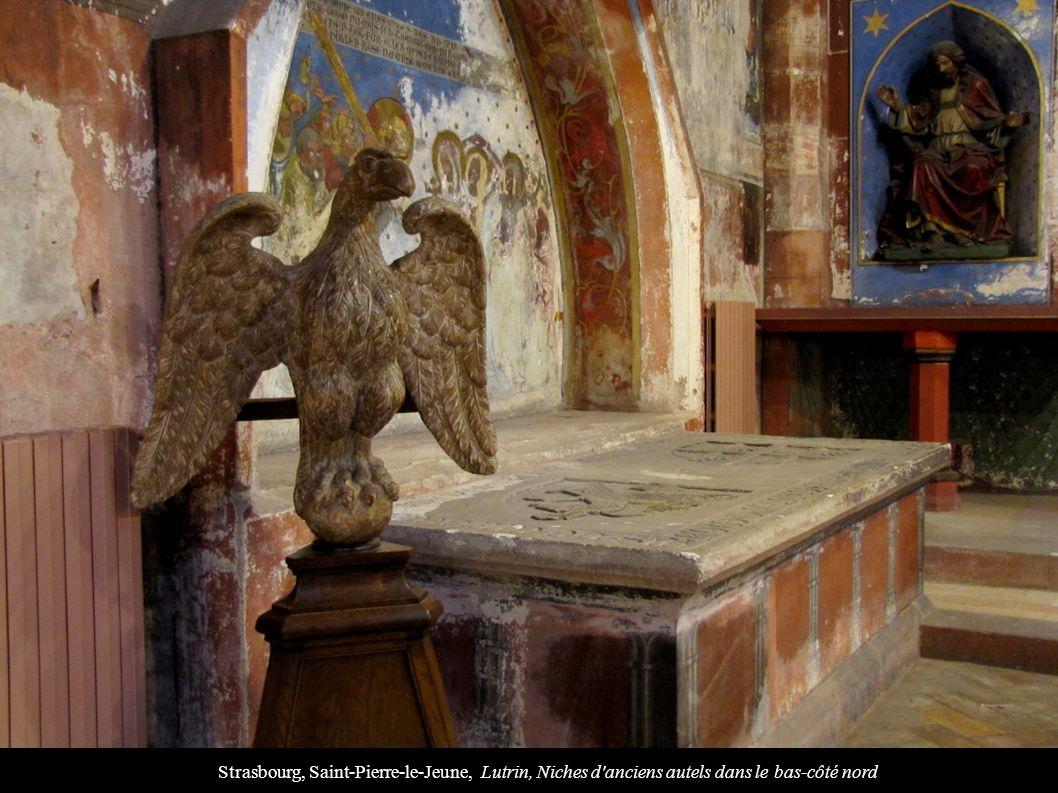 Strasbourg, Saint-Pierre-le-Jeune, Lutrin, Niches d'anciens autels dans le bas-côté nord
