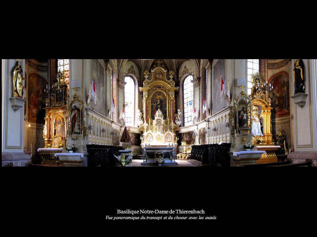 Basilique Notre-Dame de Thierenbach Vue panoramique du transept et du choeur avec les autels