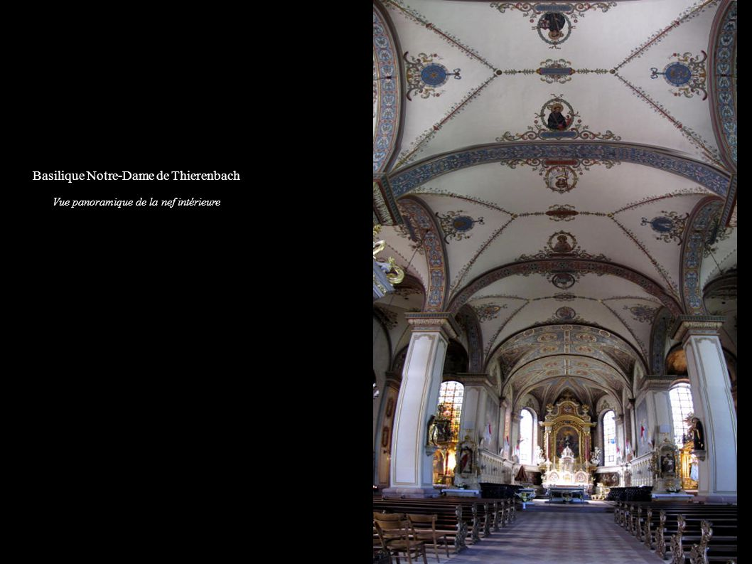 Jungholtz, Basilique Notre-Dame de Thierenbach Vue de la nef vers le choeur, avec la chaire à prêcher