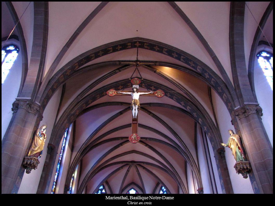 Marienthal, Basilique Notre-Dame Christ en croix