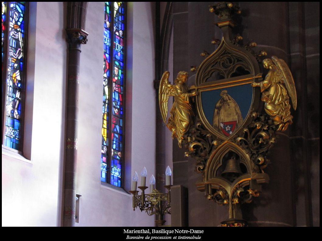 Marienthal, Basilique Notre-Dame Bannière de procession et tintinnabule