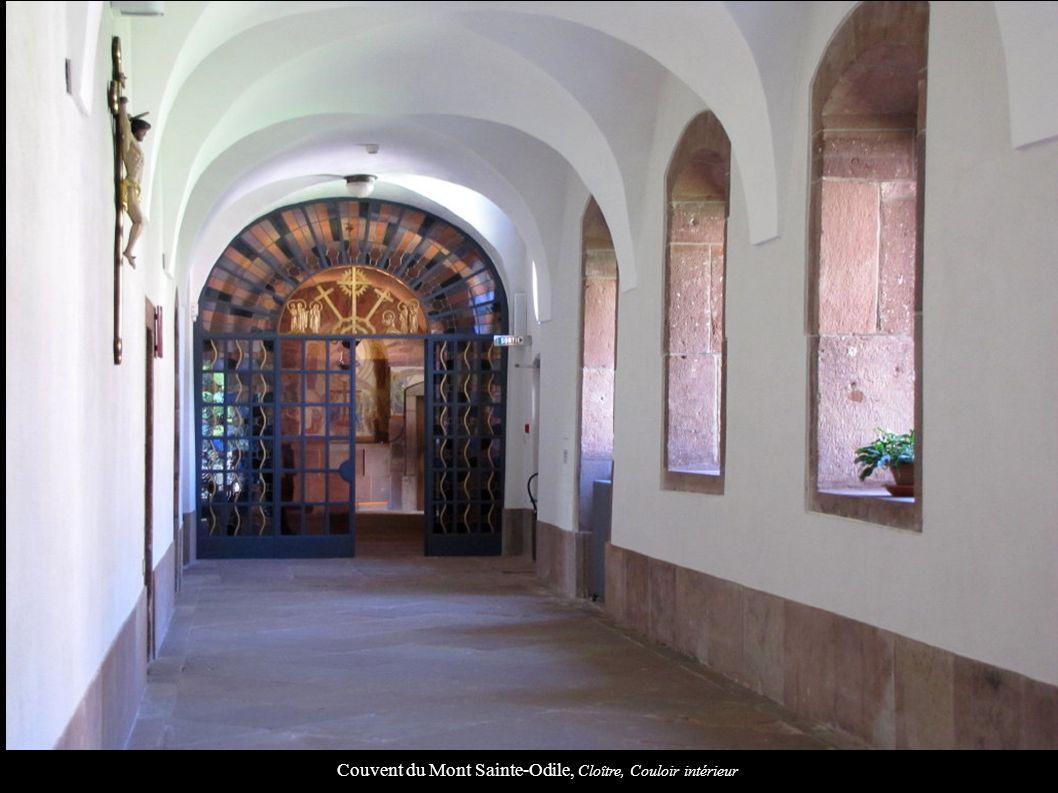 Couvent du Mont Sainte-Odile, Cloître, Couloir intérieur