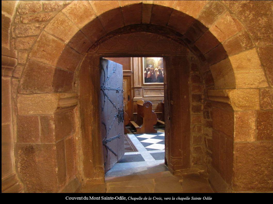 Couvent du Mont Sainte-Odile, Chapelle de la Croix, vers la chapelle Sainte Odile