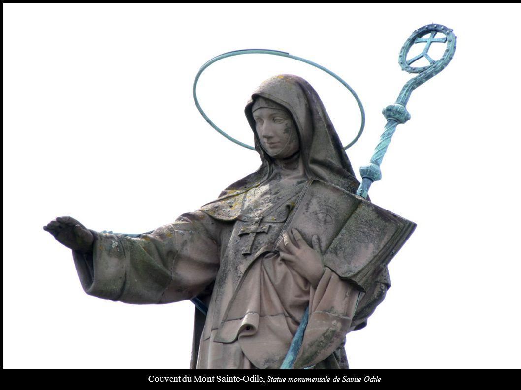 Couvent du Mont Sainte-Odile, Statue monumentale de Sainte-Odile