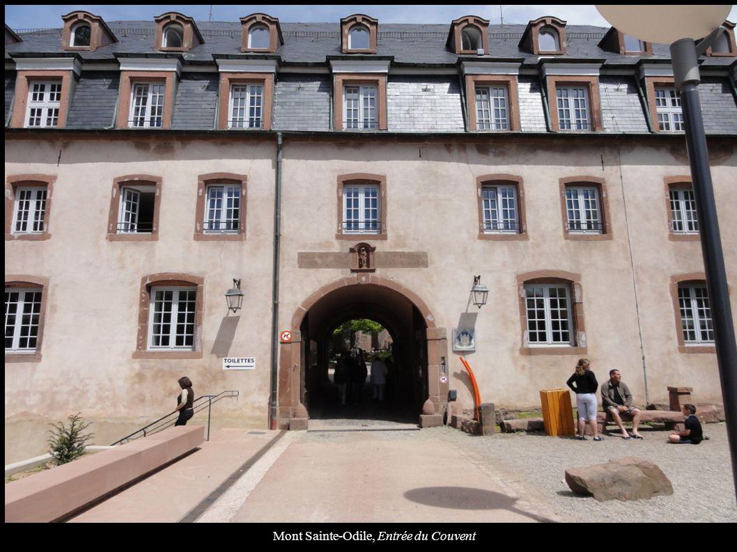 Mont Sainte-Odile, Cour intérieure du Couvent