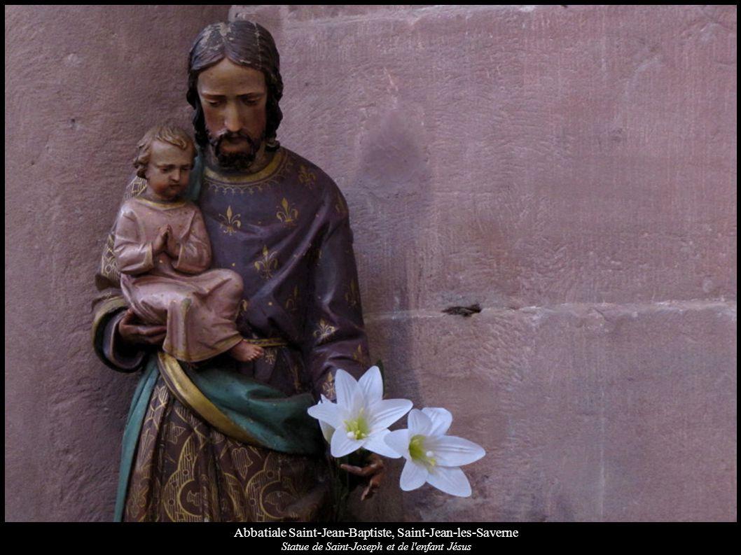 Abbatiale Saint-Jean-Baptiste, Saint-Jean-les-Saverne Statue de Saint-Joseph et de l'enfant Jésus