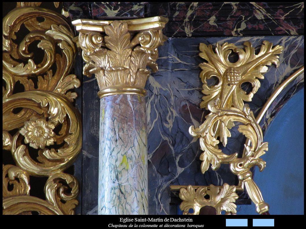 Eglise Saint-Martin de Dachstein Chapiteau de la colonnette et décorations baroques