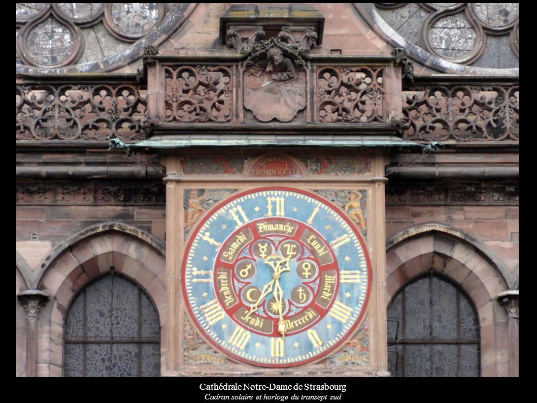 Cathédrale Notre-Dame de Strasbourg Cadran solaire et horloge du transept sud