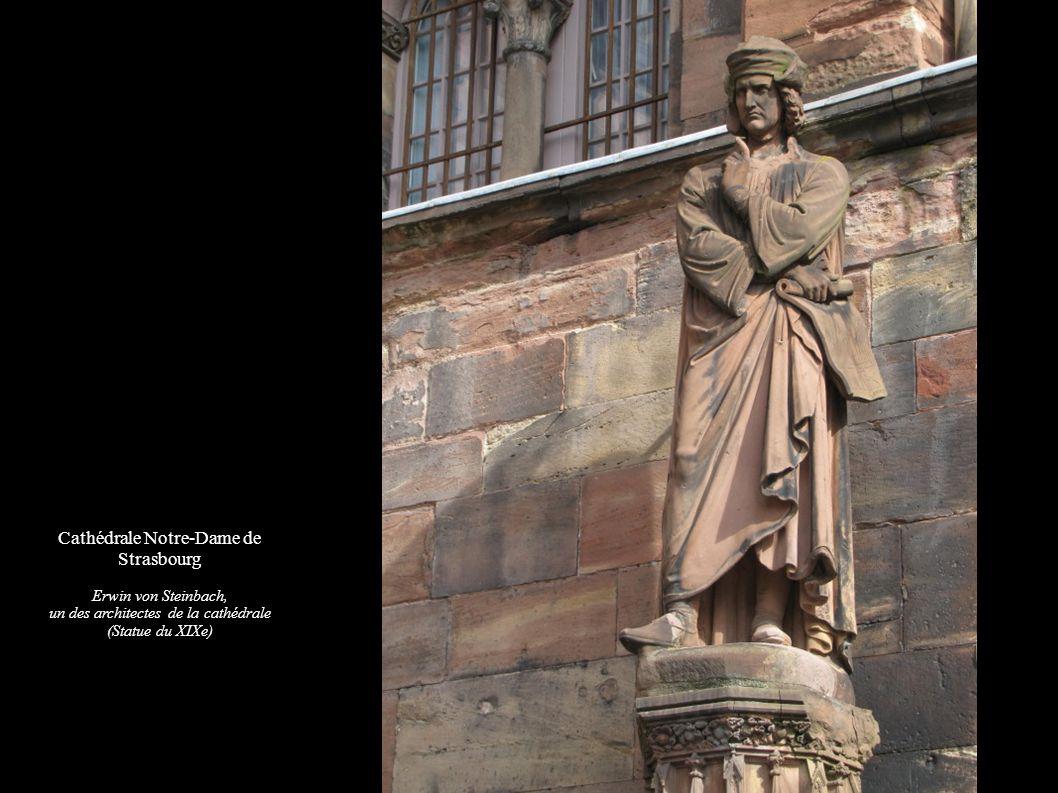 Cathédrale Notre-Dame de Strasbourg Erwin von Steinbach, un des architectes de la cathédrale (Statue du XIXe)