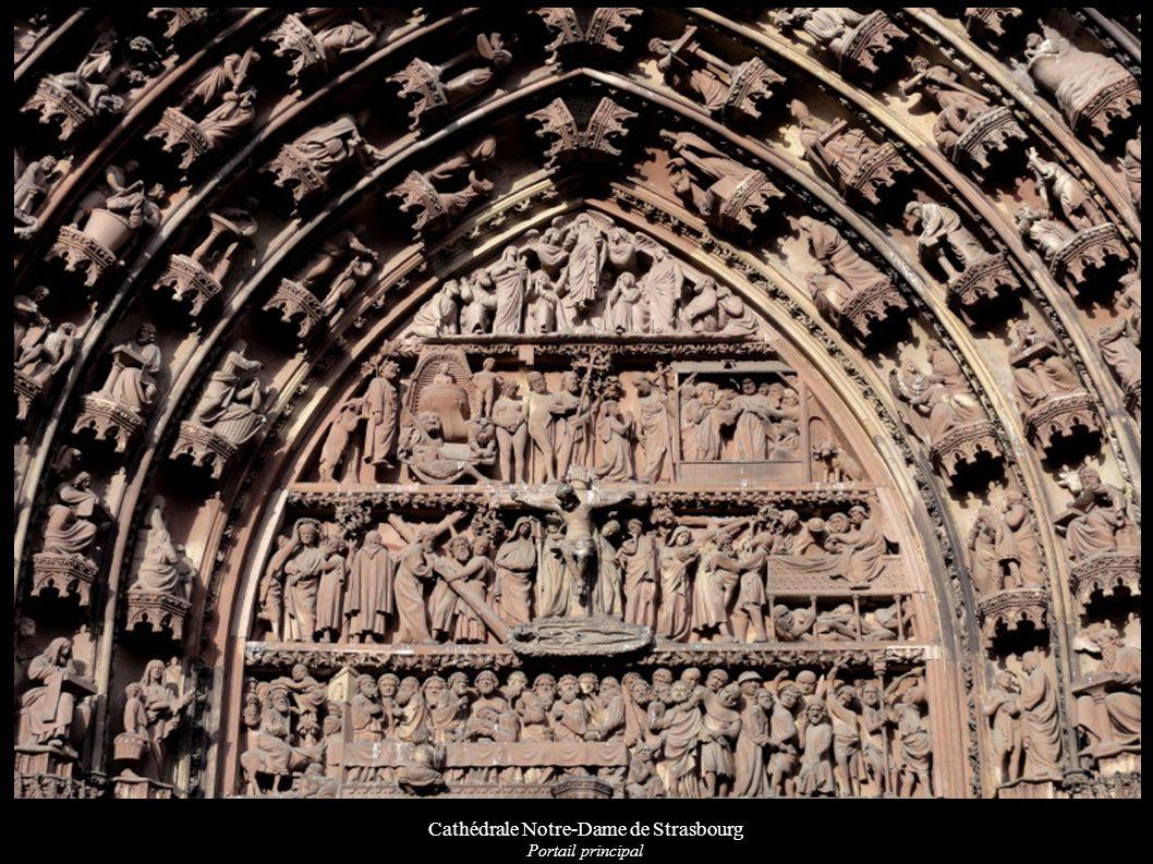 Cathédrale Notre-Dame de Strasbourg Statues équestres de rois et d empereurs sur la tour