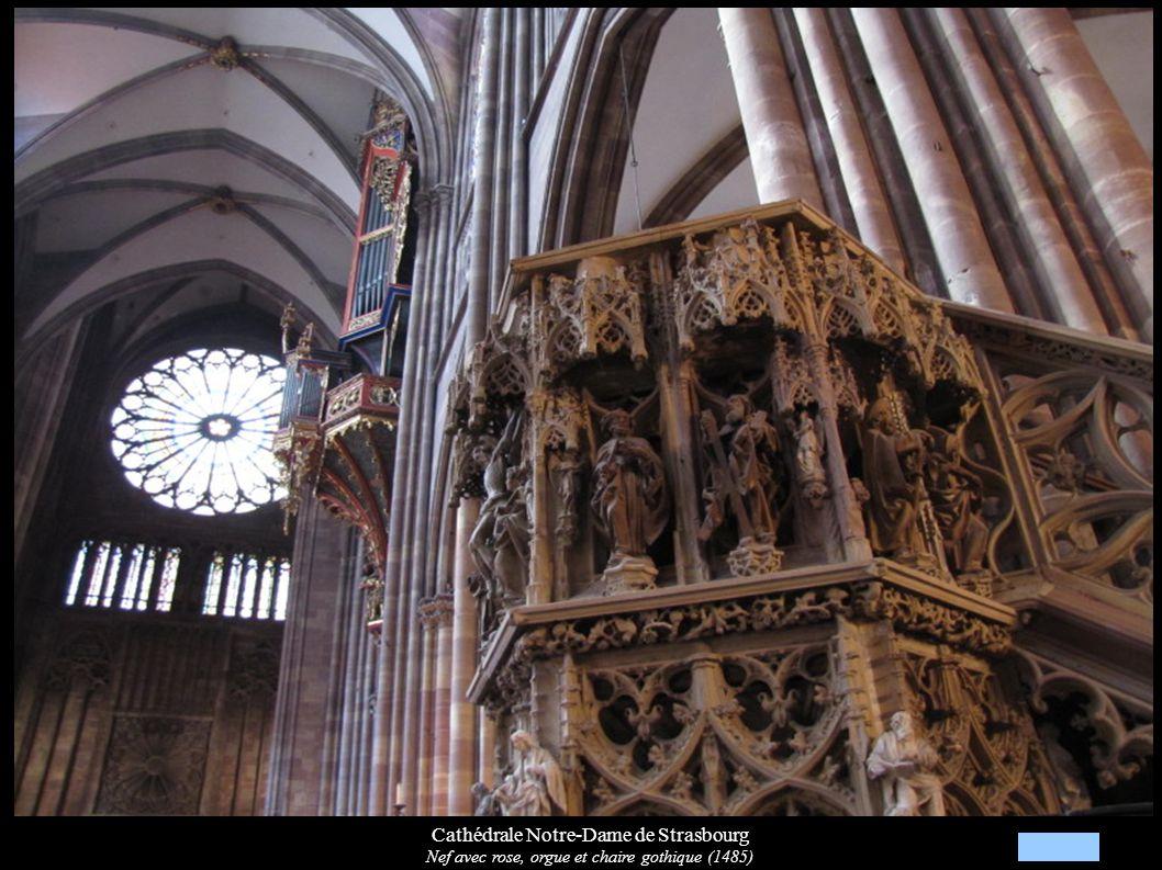 Cathédrale Notre-Dame de Strasbourg Nef avec rose, orgue et chaire gothique (1485)