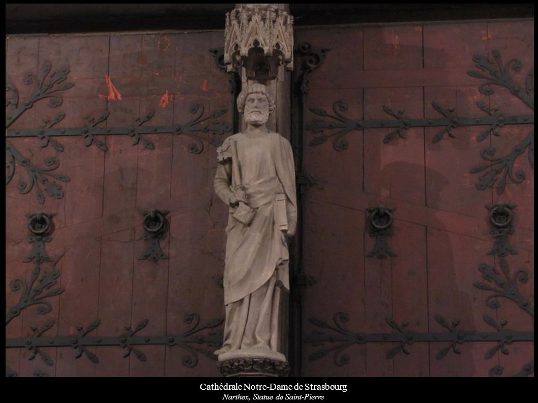 Cathédrale Notre-Dame de Strasbourg Verrière « Résurrection » du bas-côté sud: L ange montre aux trois Marie le tombeau vide.