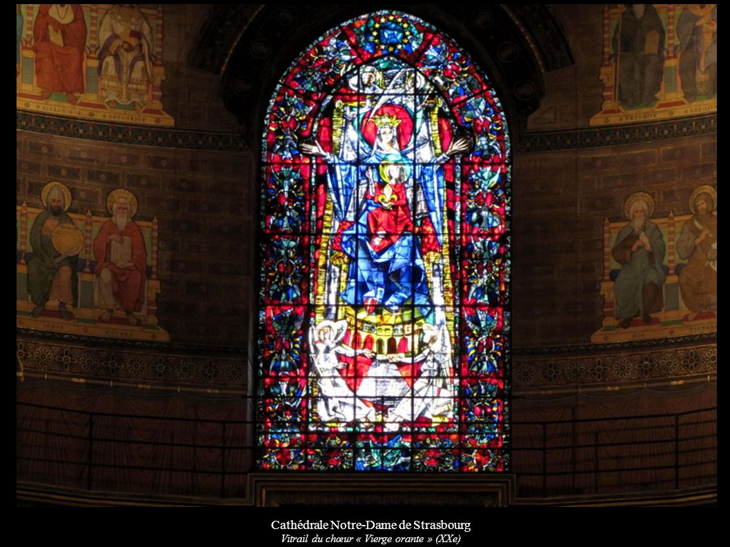Cathédrale Notre-Dame de Strasbourg Vitrail du chœur « Vierge orante » (XXe)