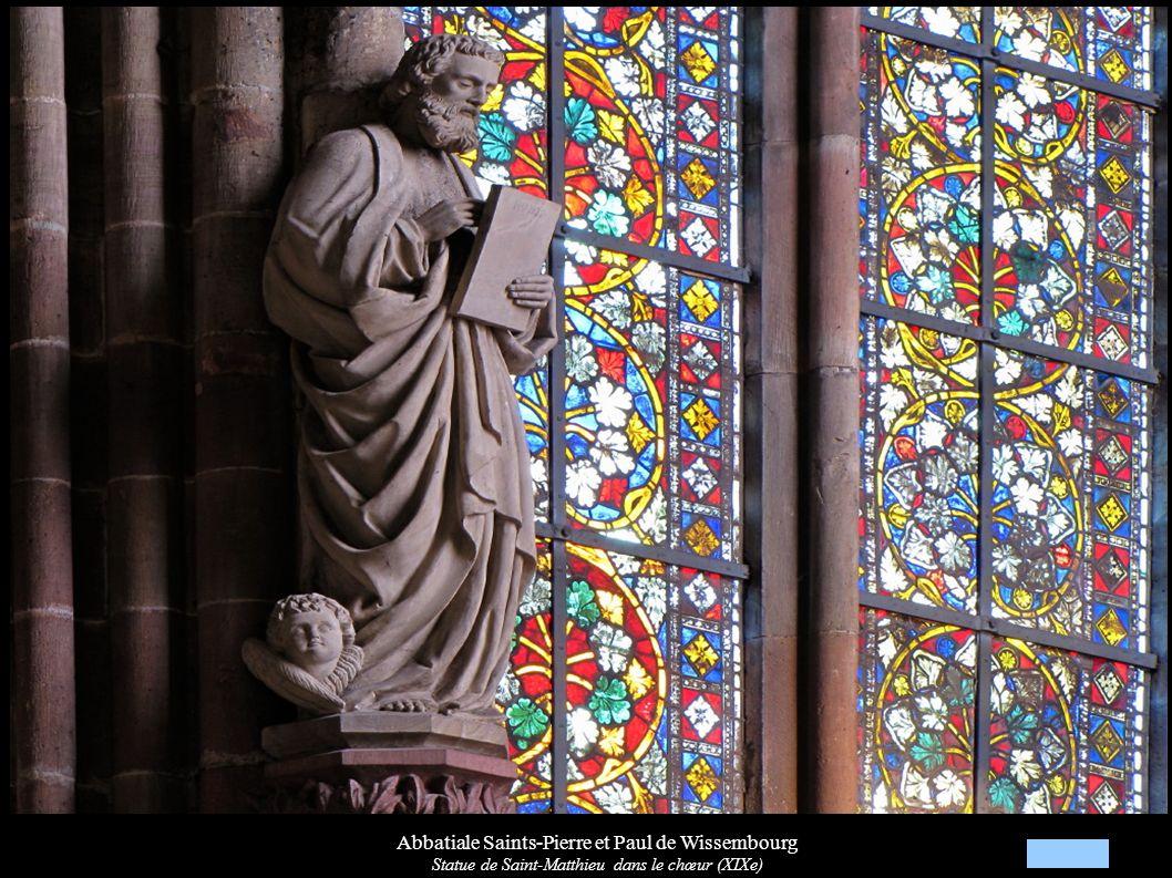 Abbatiale Saints-Pierre et Paul de Wissembourg Statue de Saint-Matthieu dans le chœur (XIXe)