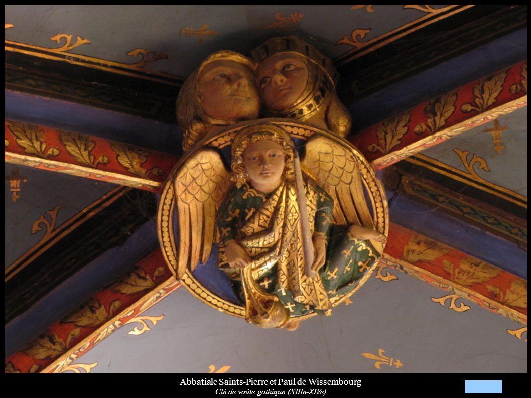 Abbatiale Saints-Pierre et Paul de Wissembourg Clé de voûte gothique (XIIIe-XIVe)