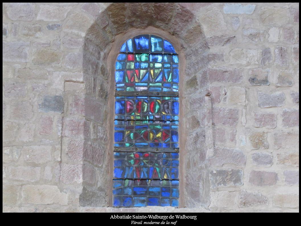 Abbatiale Sainte-Walburge de Walbourg Vitrail moderne de la nef
