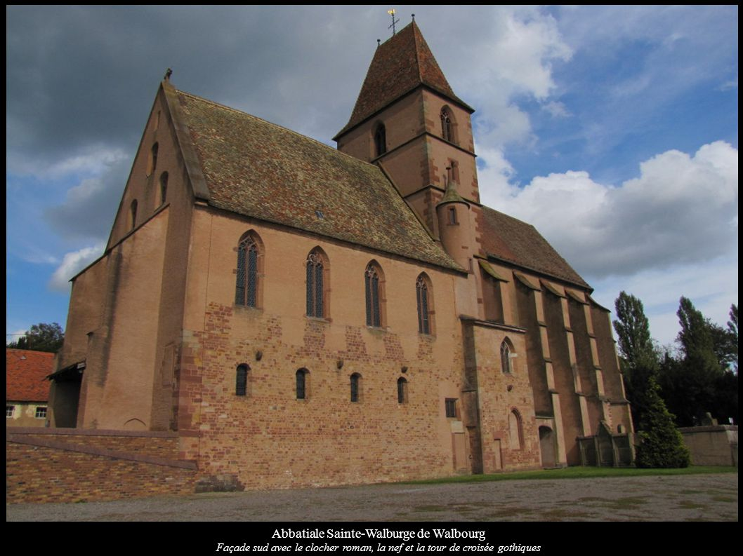 Abbatiale Sainte-Walburge de Walbourg Porte gothique de la sacristie (XVe)