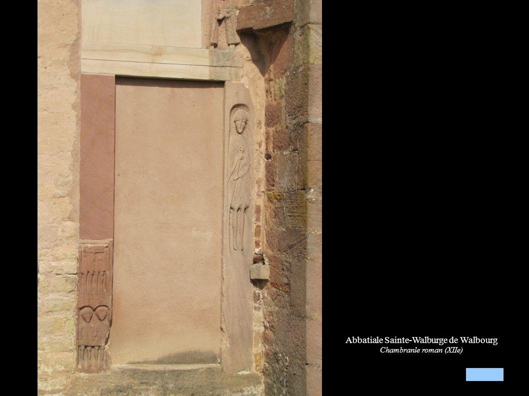 Abbatiale Sainte-Walburge de Walbourg Porche roman avec les niches (XIIe)