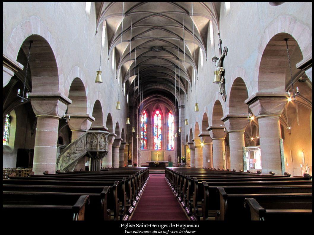 Eglise Saint-Georges de Haguenau Vue intérieure de la nef vers le chœur